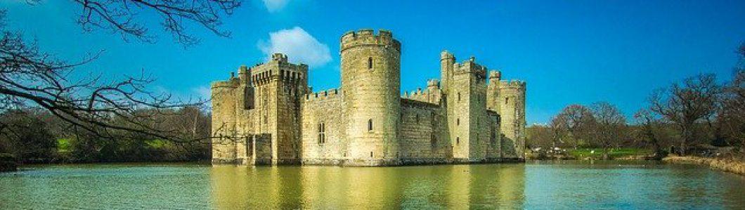 cropped-bodiam-castle-g26c09a1ed_640.jpg